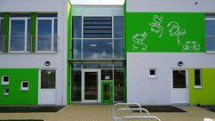 "The ""Springfrosch"" FRÖBEL kindergarten, whose name means jumping frog, opened in Potsdam-Golm in September 2011."